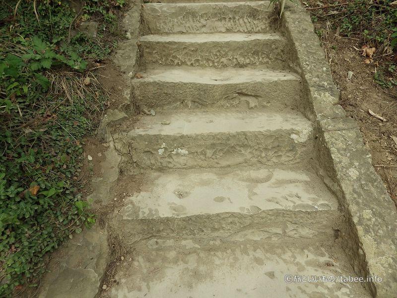 石の階段です