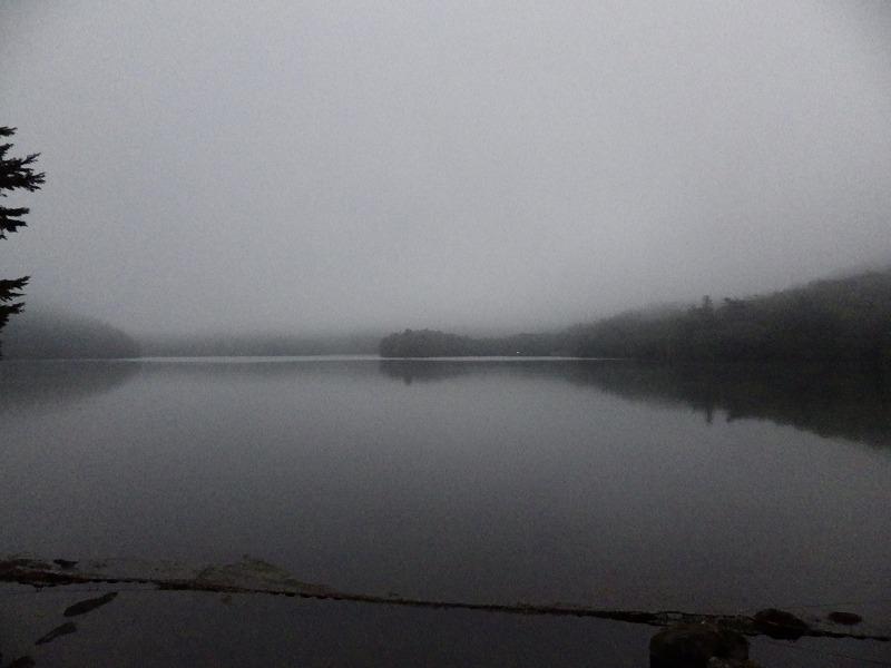 静かな湯ノ湖
