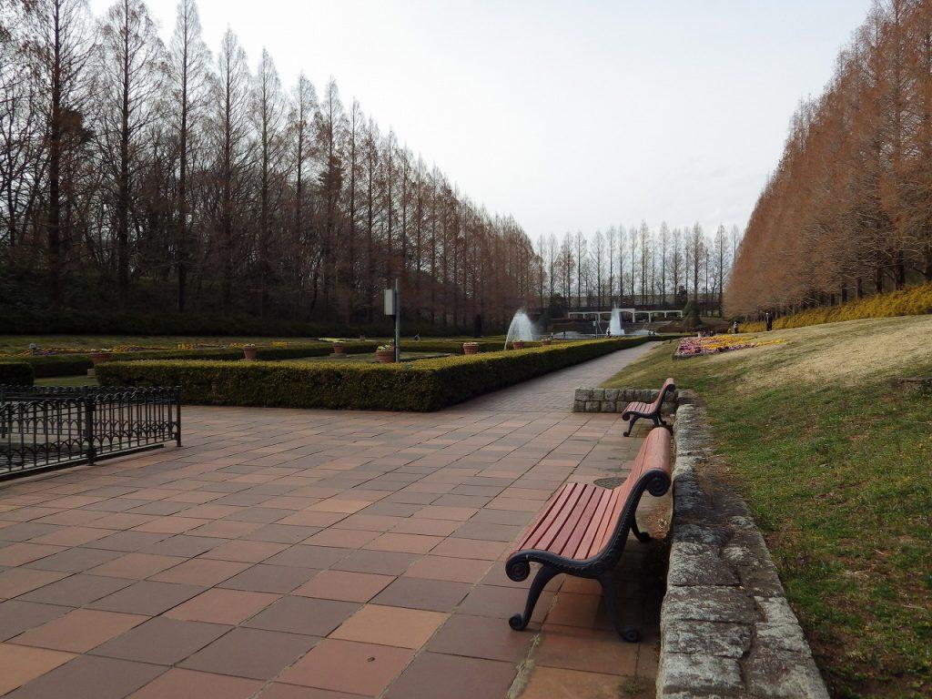 フランス庭園にはベンチが沢山あります