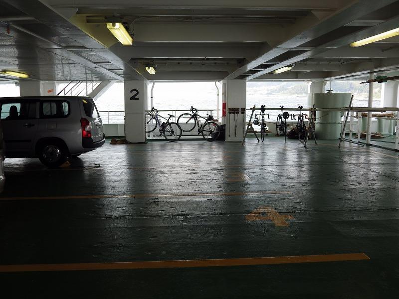 自転車はこのように駐輪するようです。