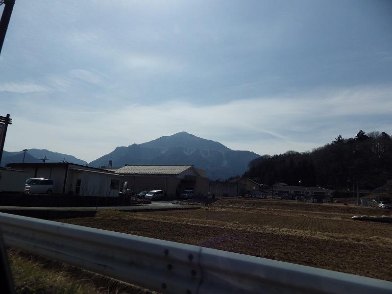 武甲山を後に