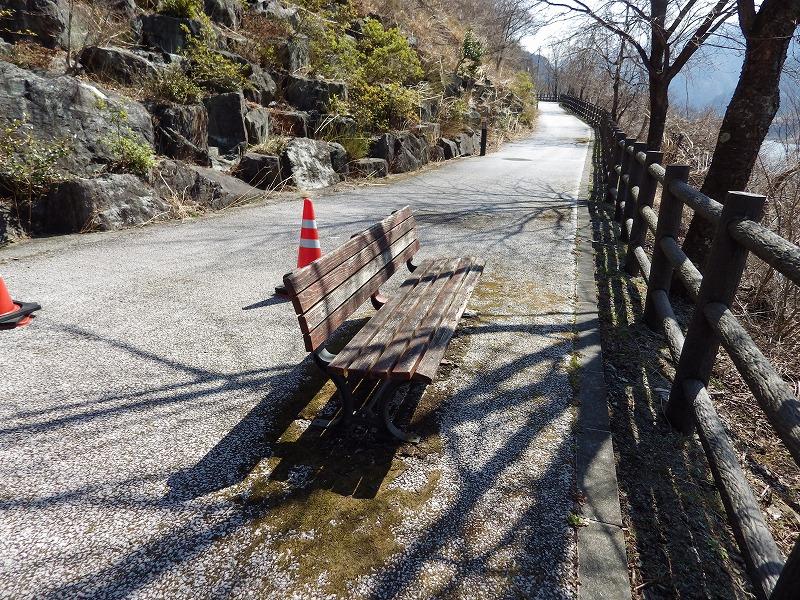遊歩道(浦山ダム展望台)