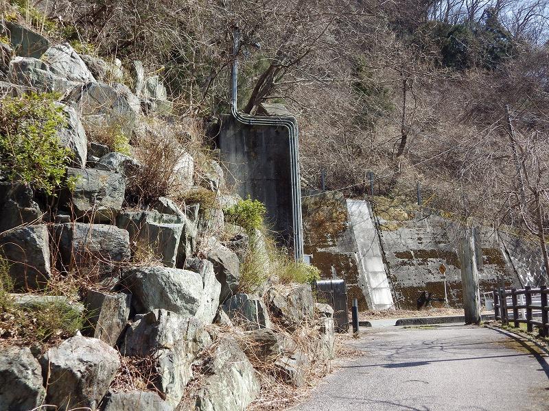 浦山ダムの石垣