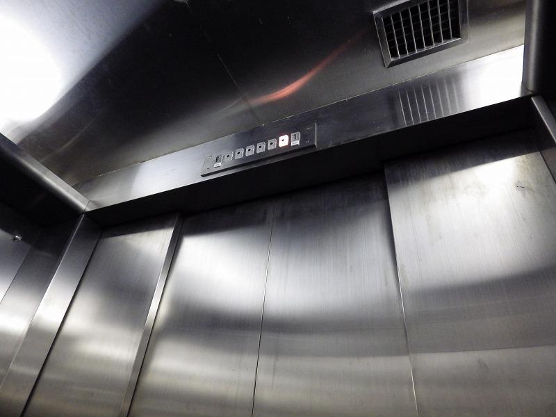 B1から1Fまでのエレベーター所要時間1分12秒