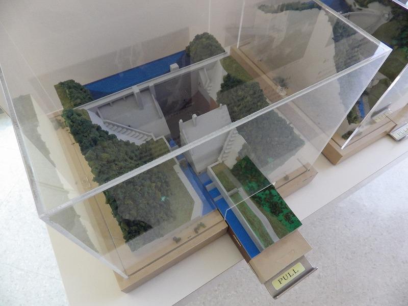 重力式コンクリートダムの模型