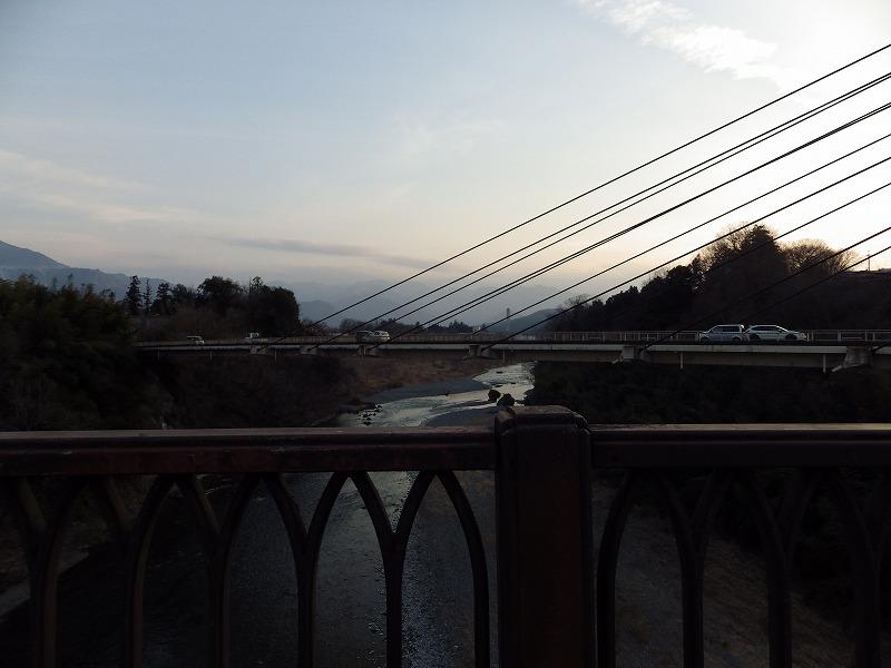 横に新秩父橋