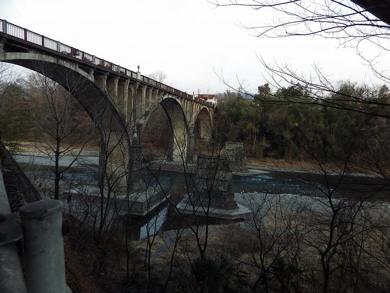 旧秩父橋と初代秩父橋の橋架