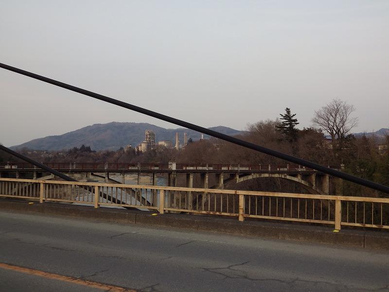 新秩父橋から旧秩父橋を眺める②