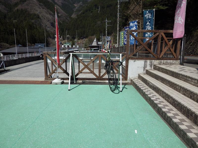 スポーツタイプ自転車駐輪所