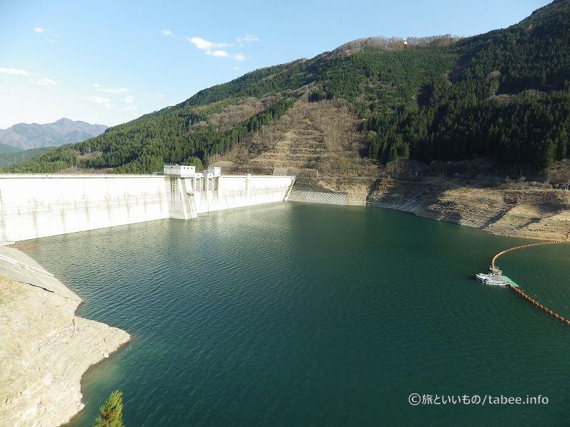 もみじ湖と滝沢ダム