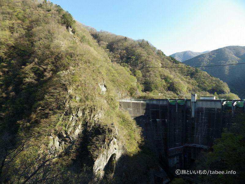 二瀬ダムは重力式アーチダム