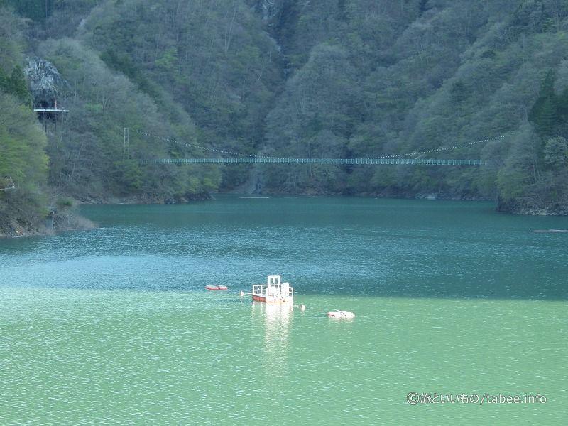 秩父湖と吊り橋