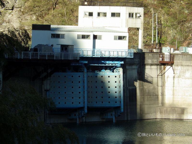 二瀬ダムは治水、利水、発電目的で作られました