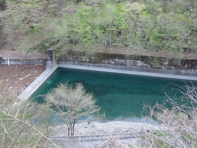 ダム貯水池上流