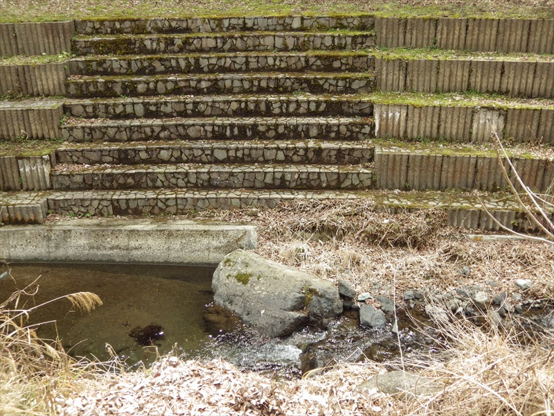 川淵の階段2