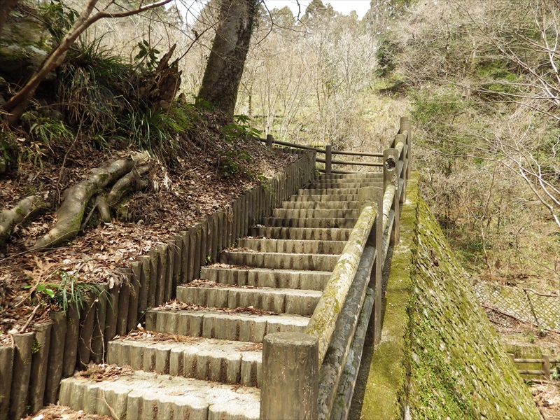 上へと続く階段