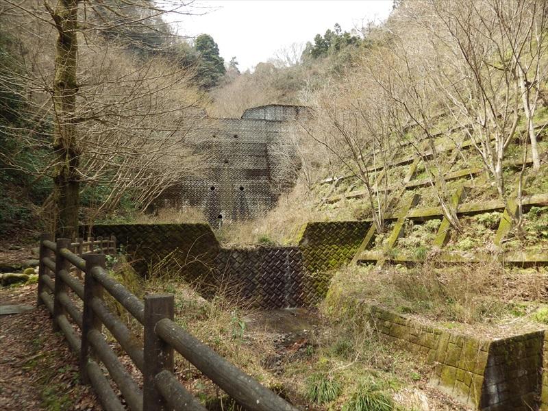 ダムの様な設備