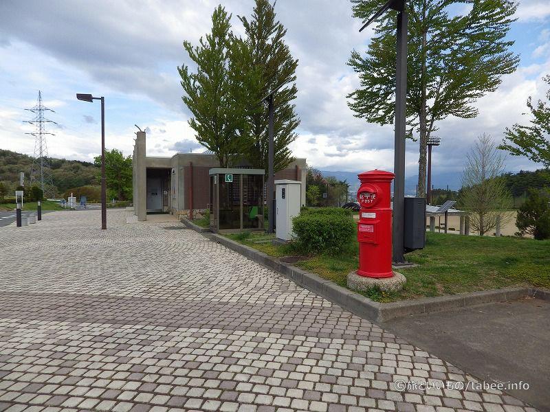 トイレ、公衆電話、郵便ポスト