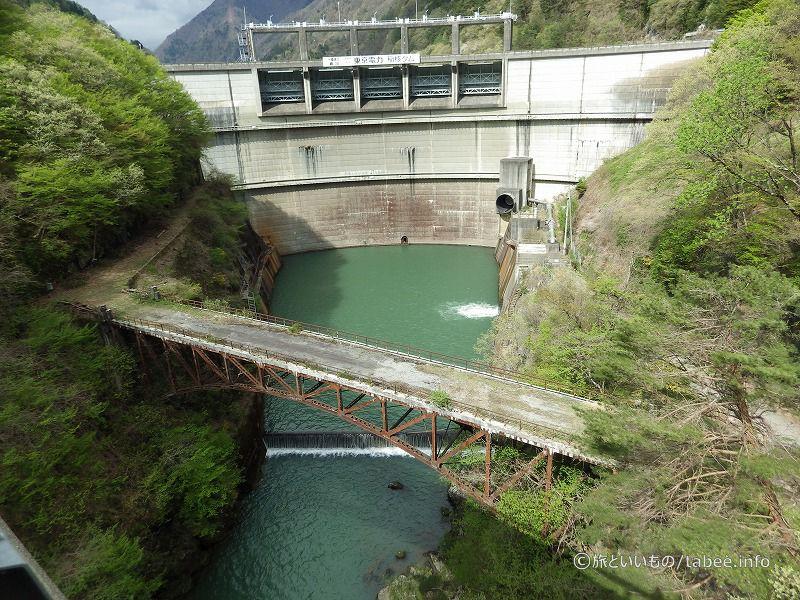 稲核ダムと旧稲核橋