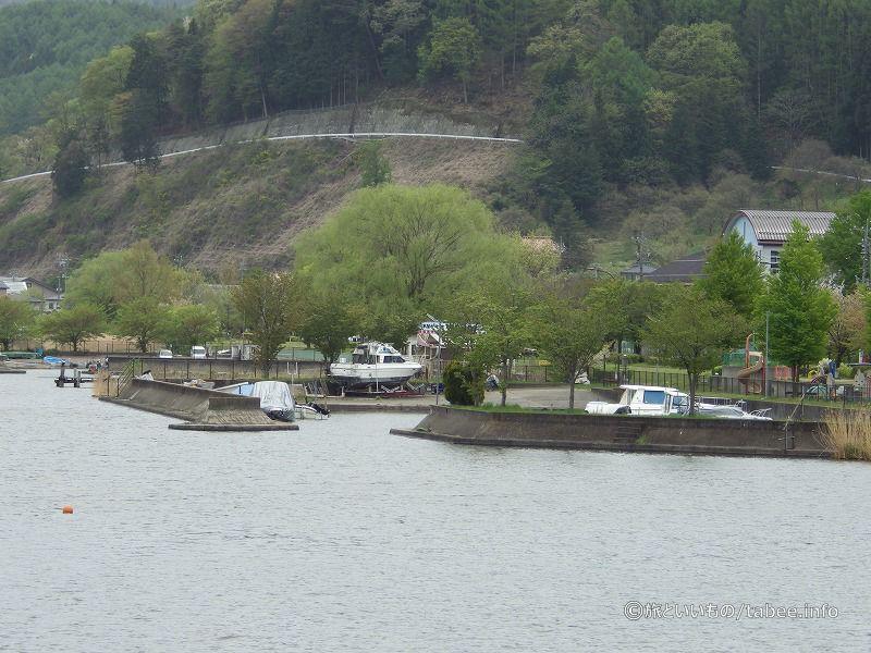 水門近くの船溜まり
