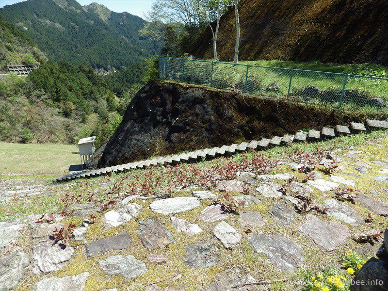 斜面に設けられた階段2
