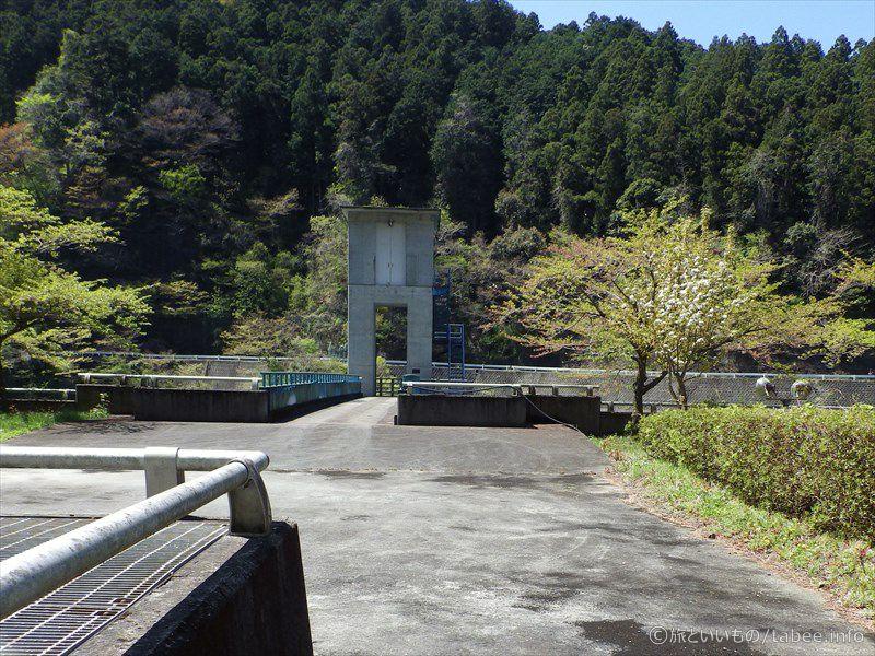 トンネル洪水吐のゲート4