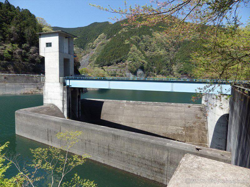トンネル洪水吐のゲート5