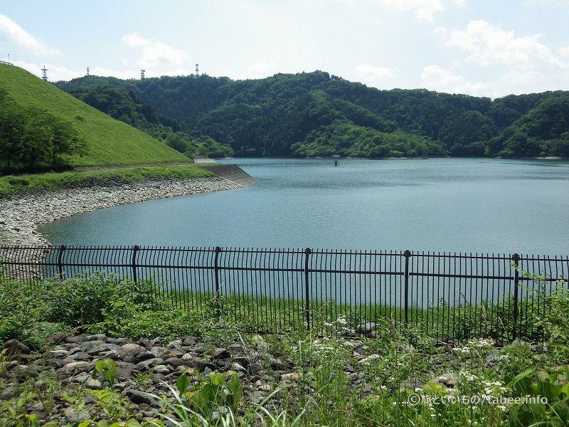 天端から眺めた城山湖