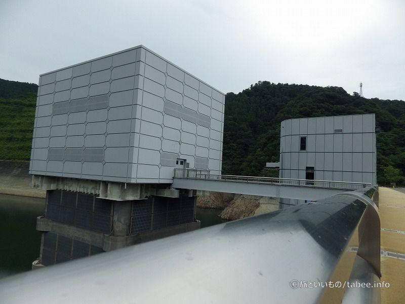 宮ケ瀬ダムは2000年12月に完成しました