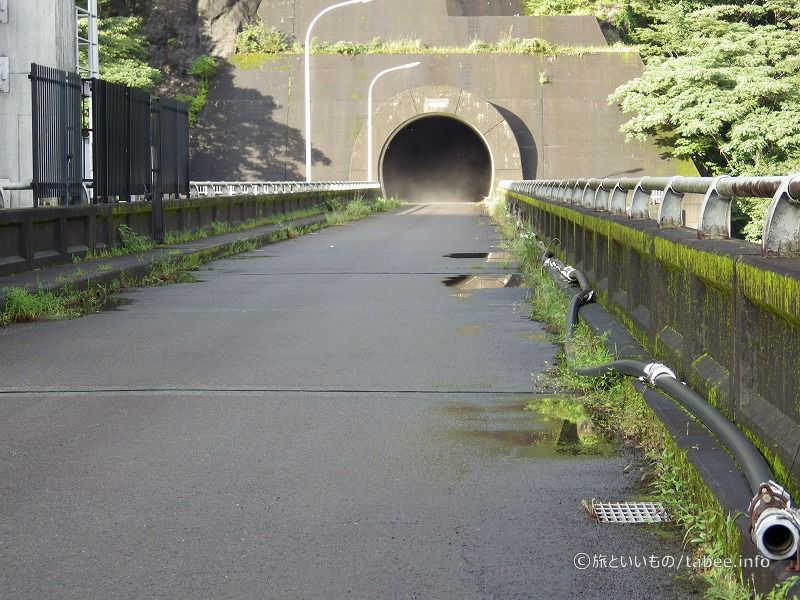 左岸にはトンネル