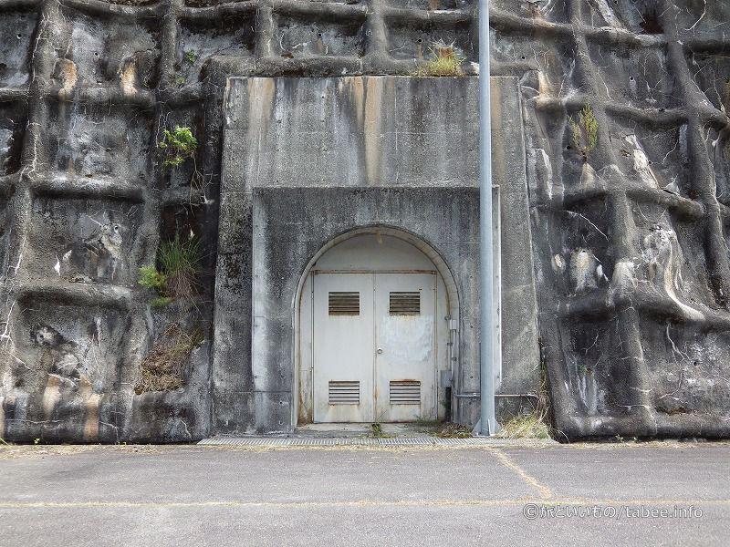 左岸の監査廊入口