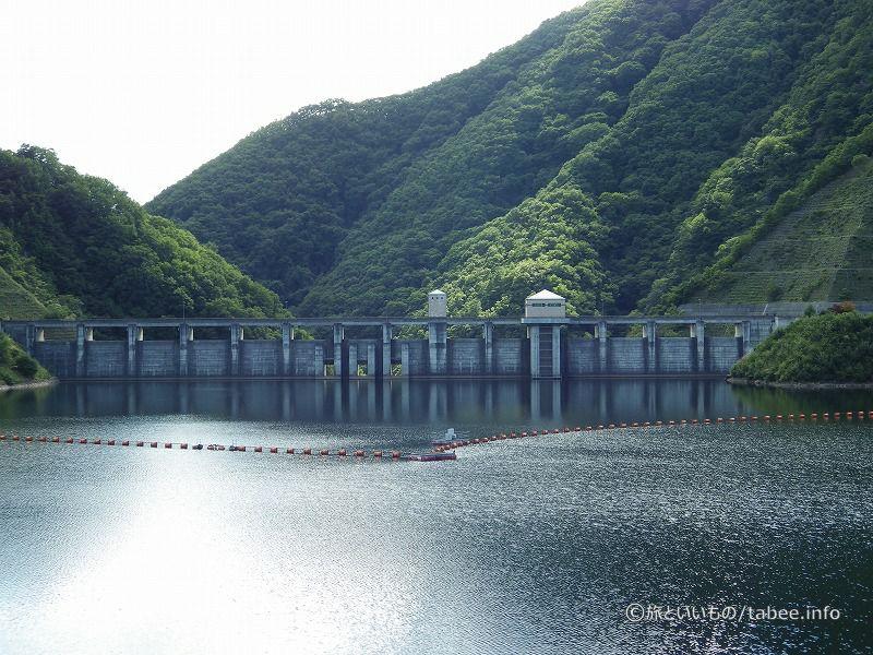 自由越流式の非常用洪水吐は14門