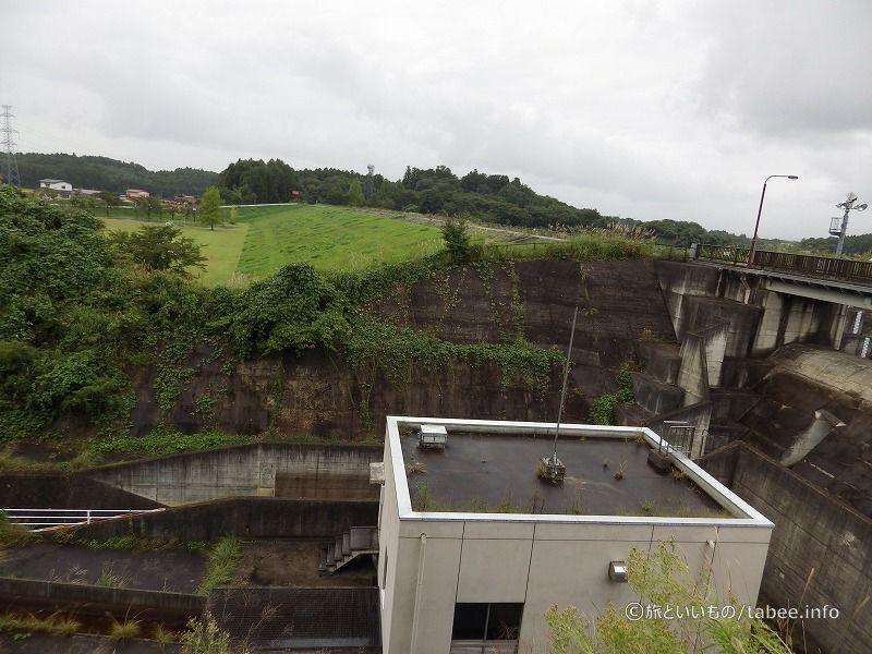 化女沼ダムはアースダムです