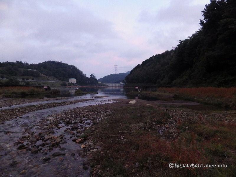 堰の上流側が見えました。