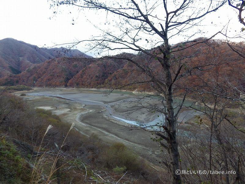 湯西川温泉駅から眺めた五十里湖