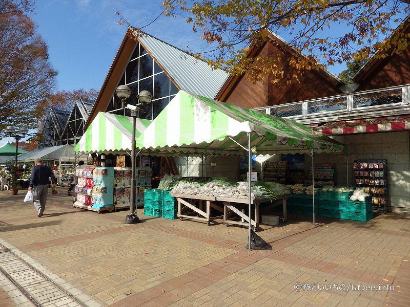 産直野菜やお土産などの物販所