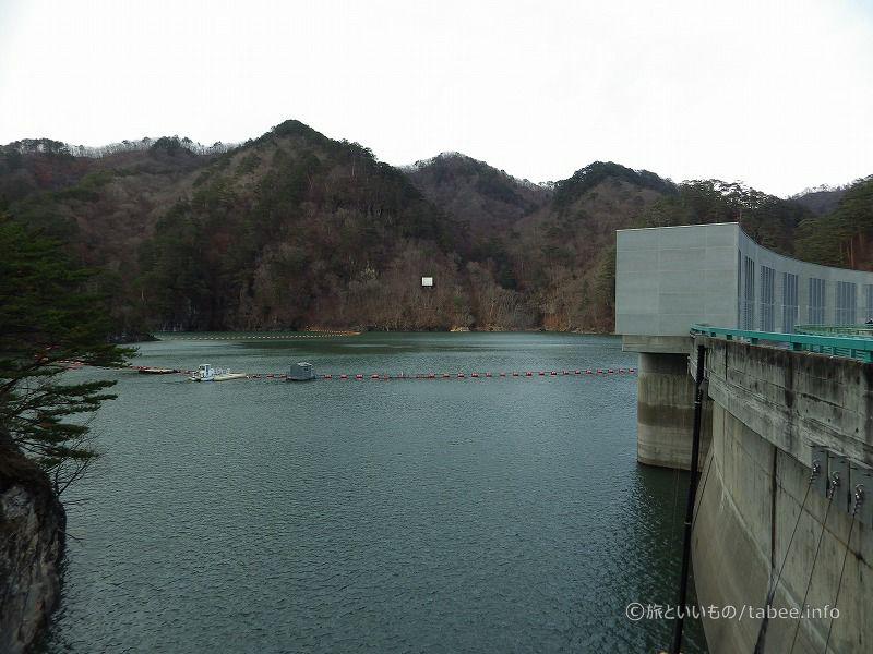川俣湖と網場