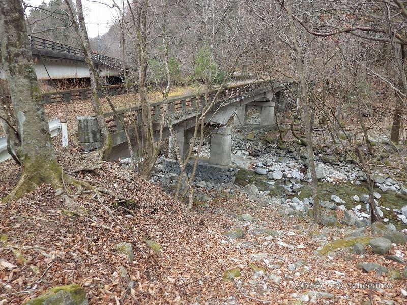 新・旧神子内川橋