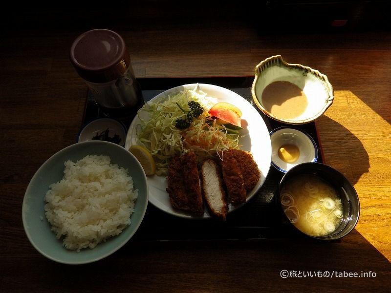 とんかつ定食ロース1000円