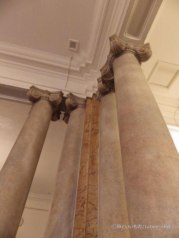イオニア式柱?