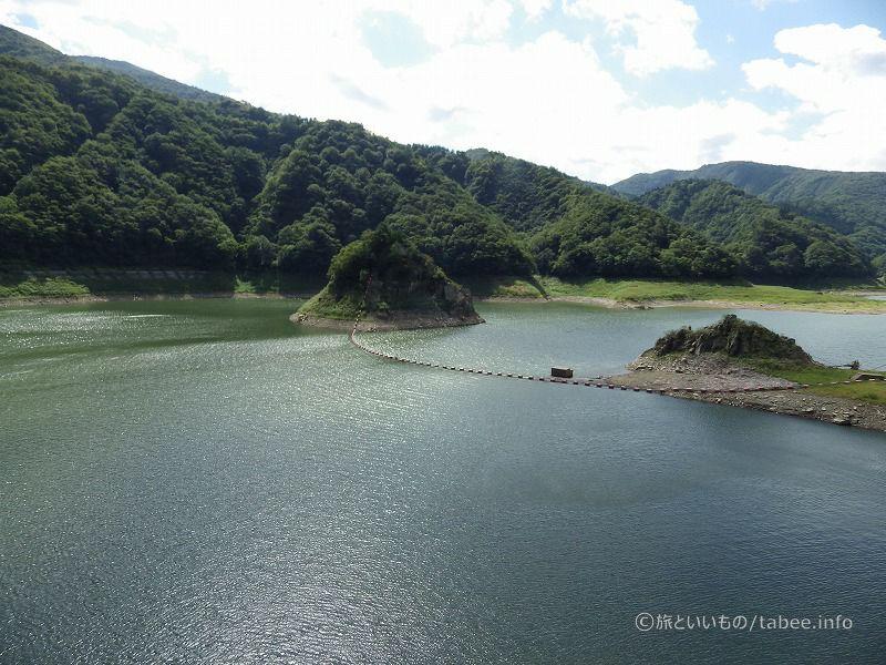 錦秋湖の島?