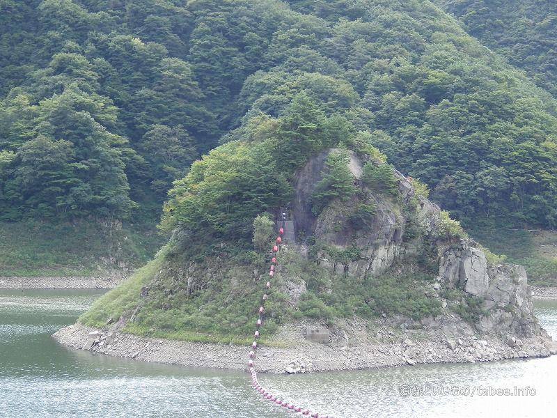 錦秋湖の島のようなもの