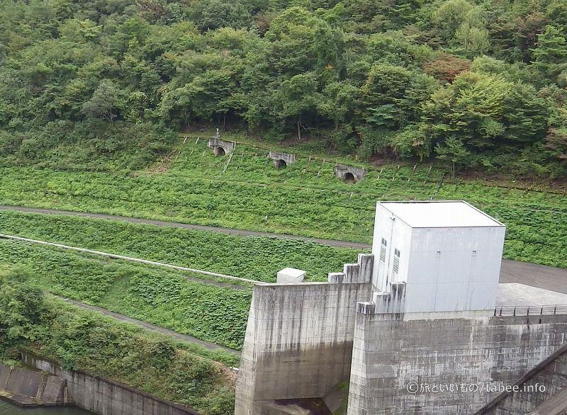 ダム建設の名残