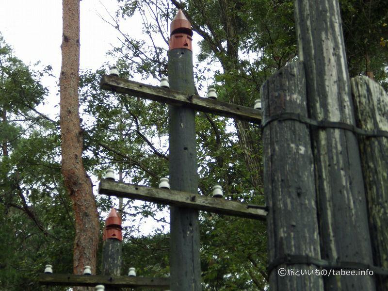 電信柱の軍隊
