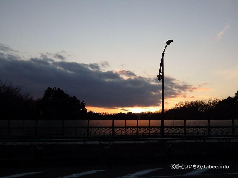 橋の上からの夕焼け