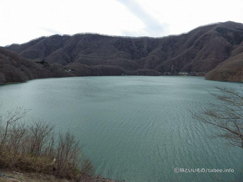 水でいっぱいの五十里湖