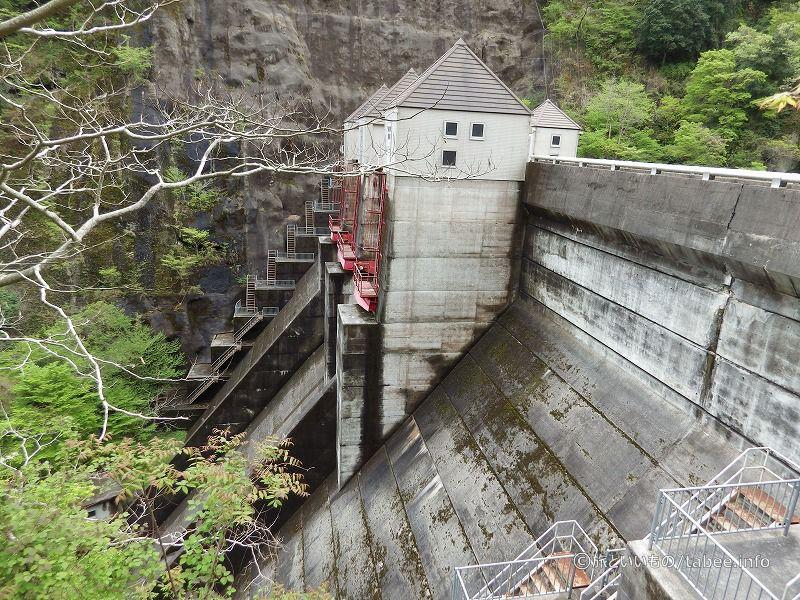 竜神ダム横から