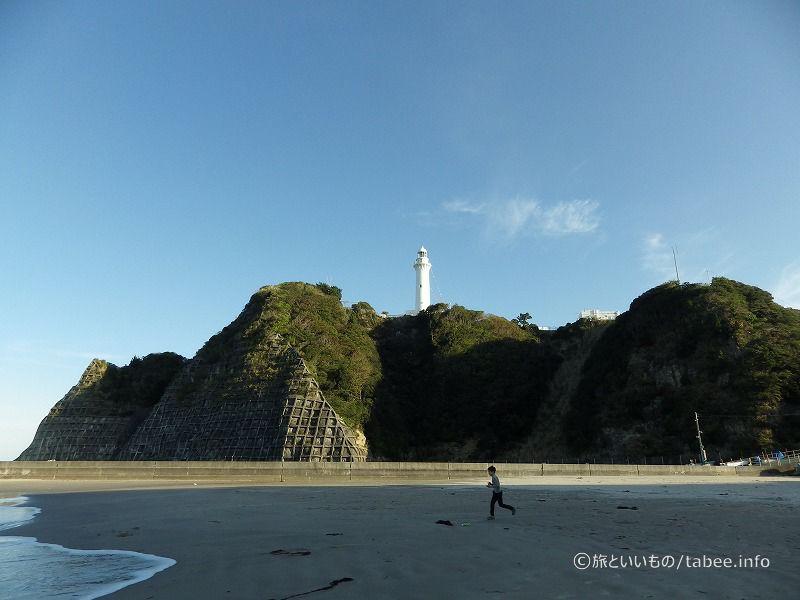 灯台と少年