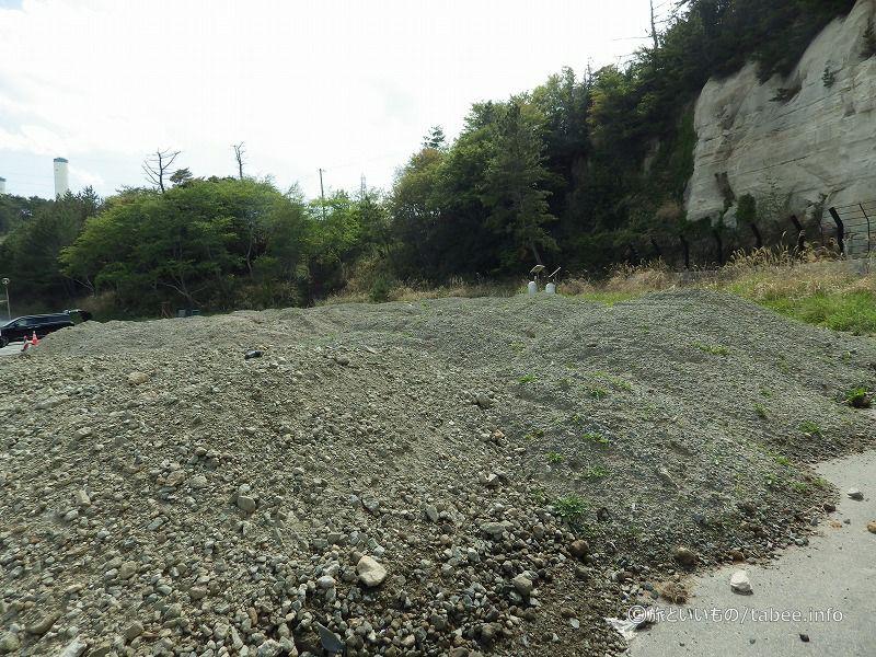 砂利をためている場所にモニタリングポストがありました