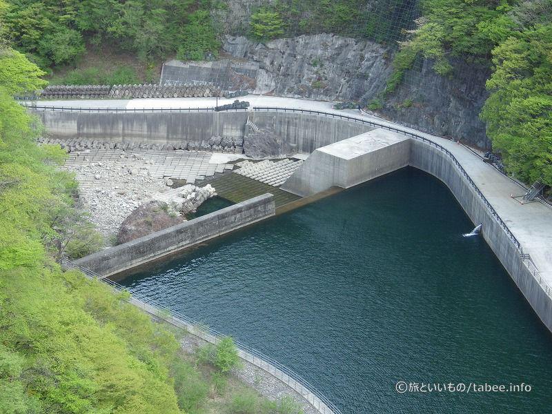 下流の副ダム
